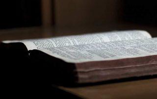 Wir überwinden durch das Wort unseres Zeugnisses